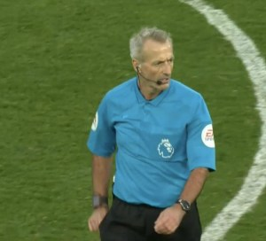 Throwback- What happened when Martin Atkinson last reffed a West Ham-Spurs game?