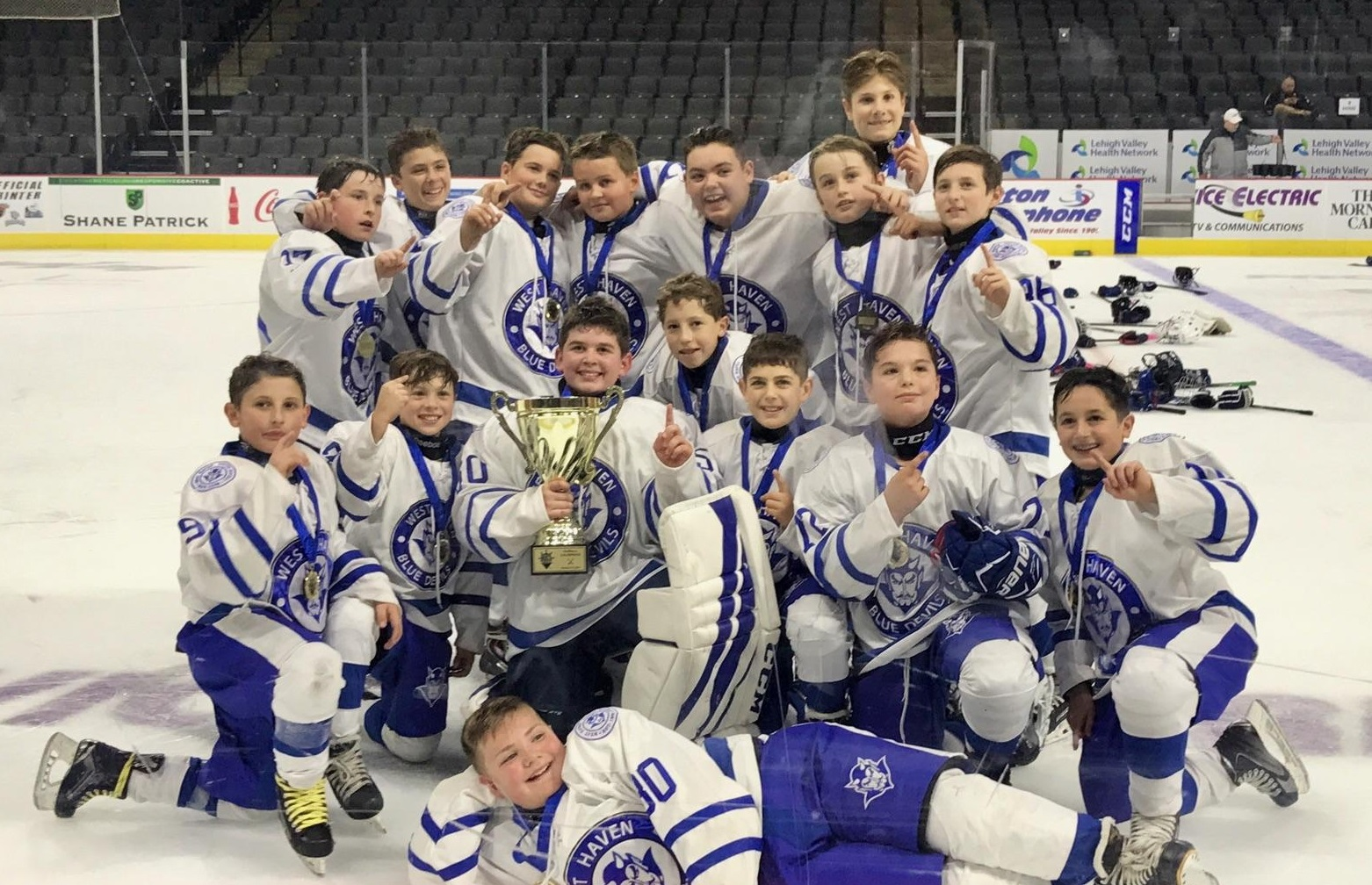 Squirt A, Peewees win Steel City