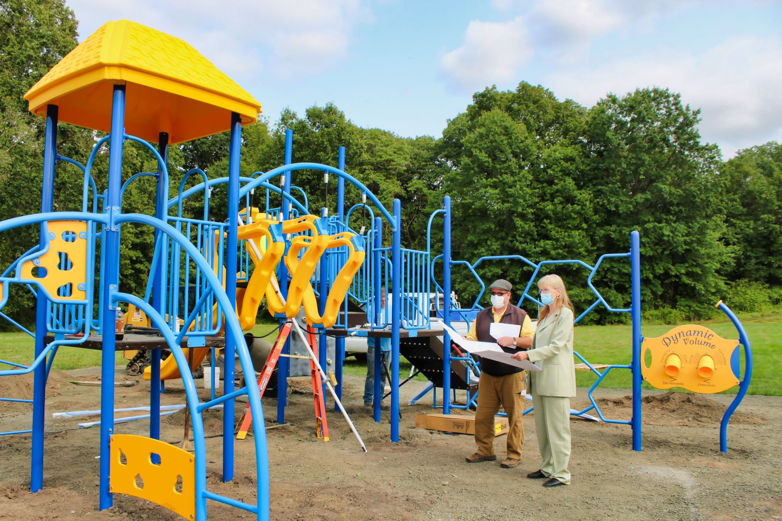 Rossi tours Forest playground project