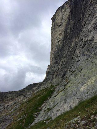 The final ridge, against the sharp edge of Gimli