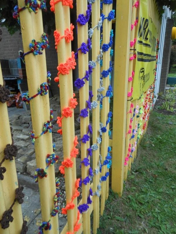 bramley-lawn-yarnbombing-2
