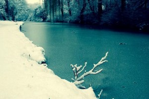 leeds liverpool canal snow 2
