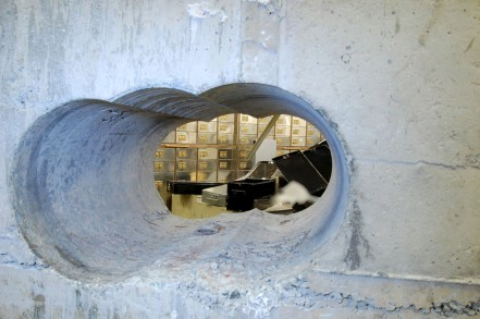 Hatton Garden safe box heist was largest burglary in English legal history | MET POLICE