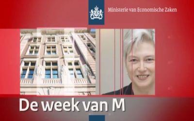 Minister communiceert met wekelijkse videoblog