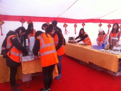 volunteers preparing snacks at backstage/Qiwei Wang