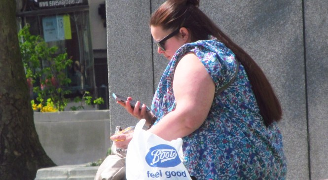 Beware of maternal obesity, warns England's Chief Medical Officer