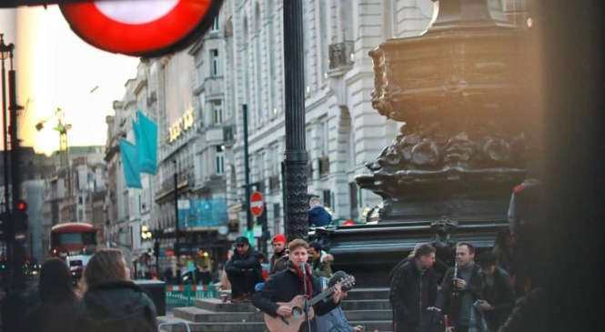 Buskers banned from top London hotspots