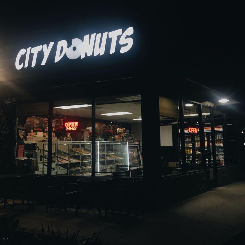 city donuts newport beach