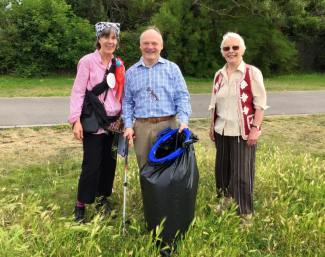 Sarah and Virginia from Friends of Weston Shore with Royston Smith MP at the Big Beach Clean Up 2016 at Weston Shore.