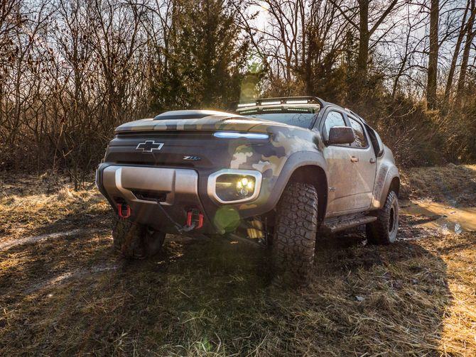 Going for a spin in the badass Chevrolet Colorado ZH2 – Roadshow