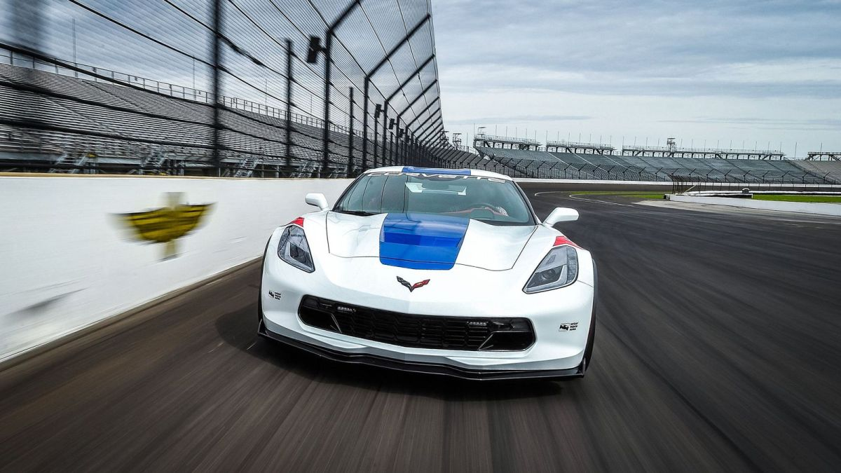 Chevrolet Corvette returns as 2017 Indianapolis 500 pace car