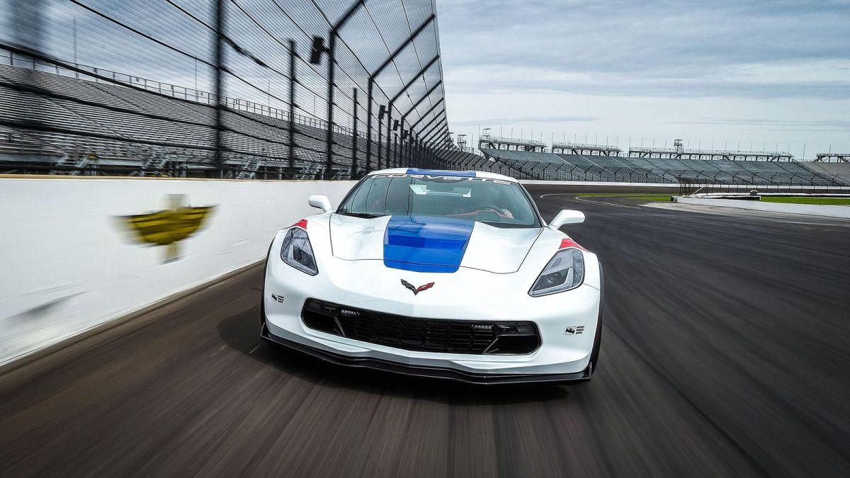 Chevrolet Corvette returns as 2017 Indianapolis 500 pace car