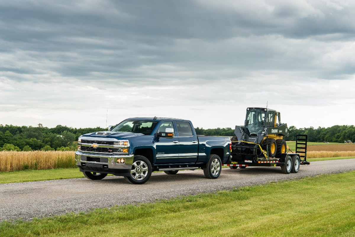 Silverado 2500 can tow 18,100 pounds and do it with finesse