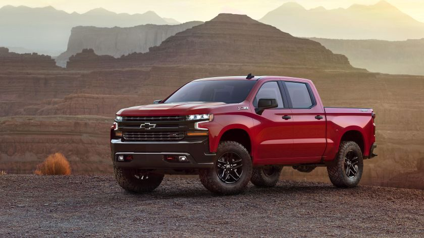 2019 Chevrolet Silverado picture drivers side