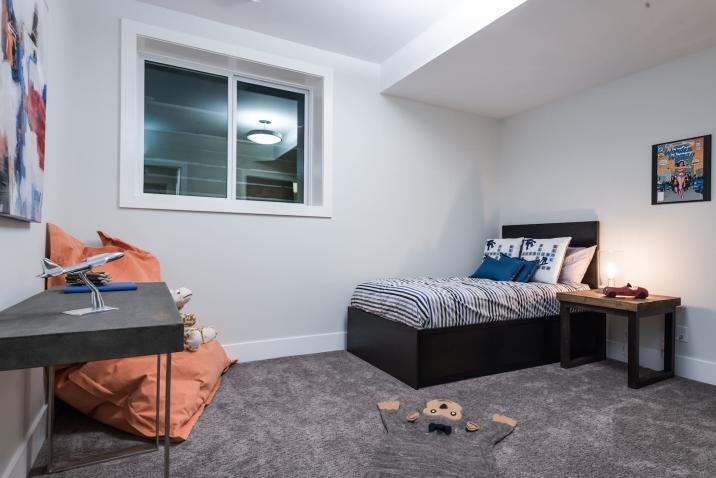 Silverhorn-35 Bedroom