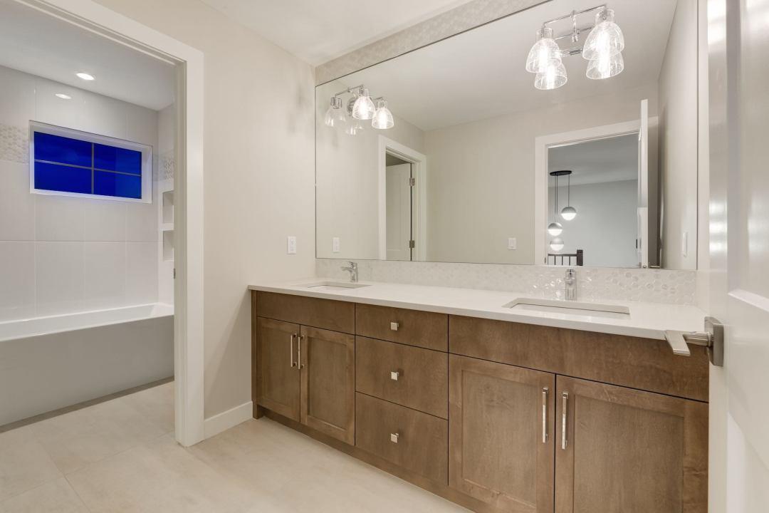 538 Green Haven 55 Bathroom
