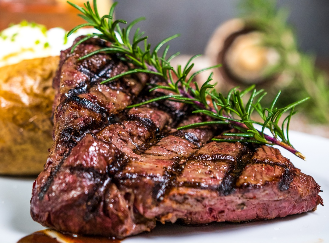 Fillet Mignon with Rosemary and vegetables