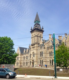 Daniels Architecture bldg U of T - the old south front - all beautified and restored. Looked beautiful in the sunshine.