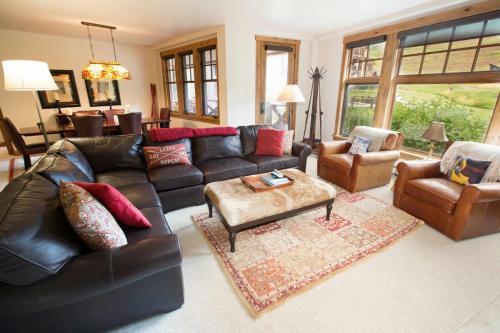 A103-living-room