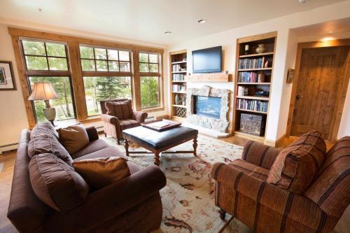 A104-living-room