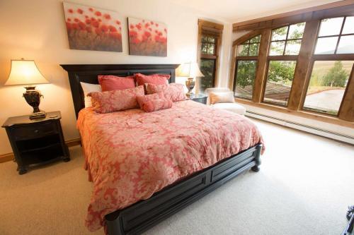 A104-master-bedroom