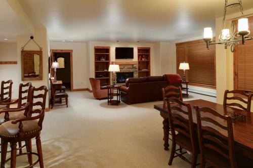 A206-living-room-2