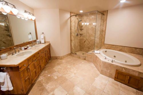 A206-master-bathroom