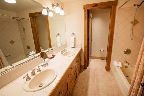 A206-second-bathroom
