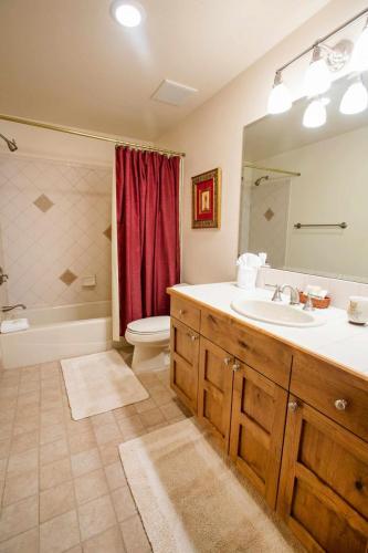 A208-second-bathroom