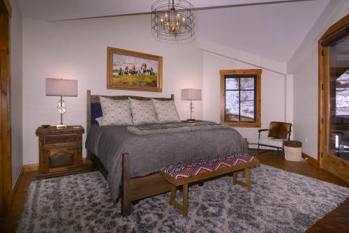 A-303 Westwall 16 master bed