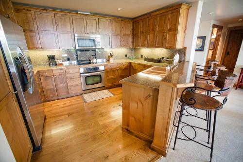 C102-kitchen