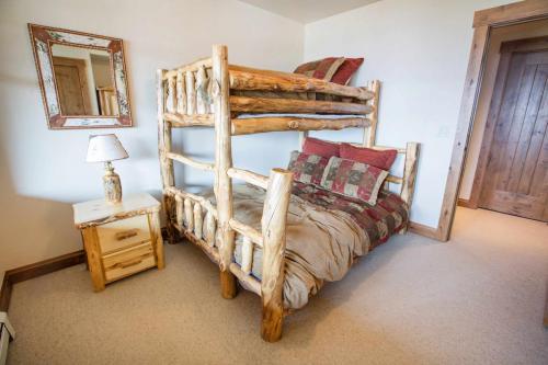 C302-third-bedroom