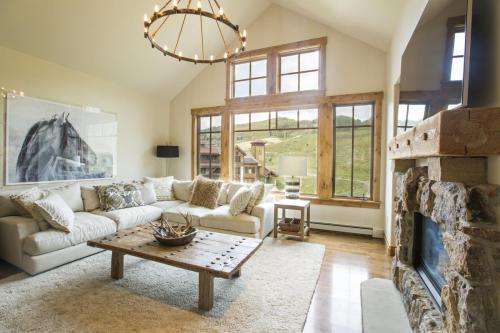 C401 living room