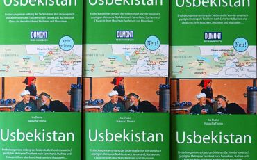 Cover of the DuMont guidebook Uzbekistan 2nd edition
