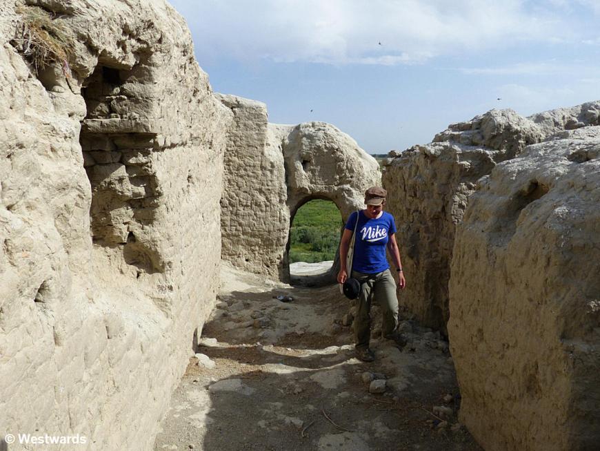 Isa exploring Varachscha, and Paikent