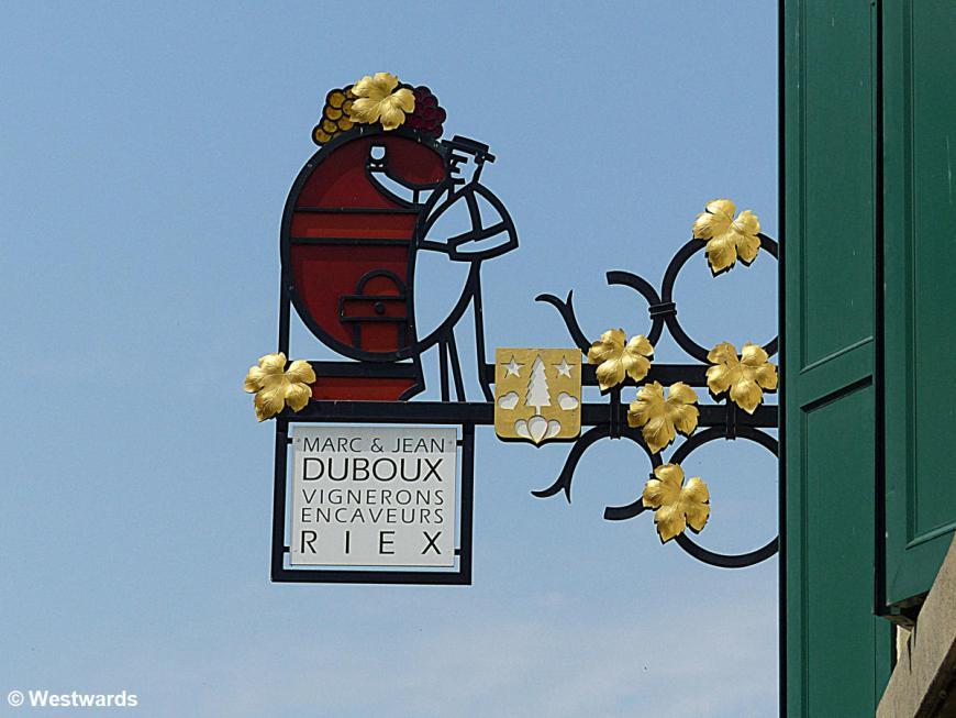 wine shop sign in Riex, Lavaux