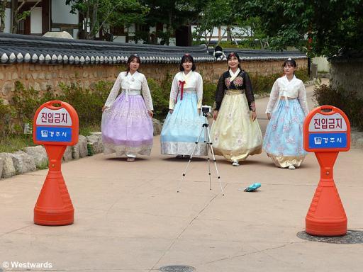 20170718 Gyeongju Jaemaejeong historic costume P1450888