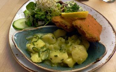Vegan schnitzel with potatoe salad