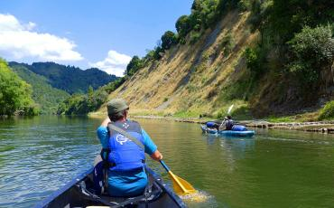 Paddlers on the Whanganui river