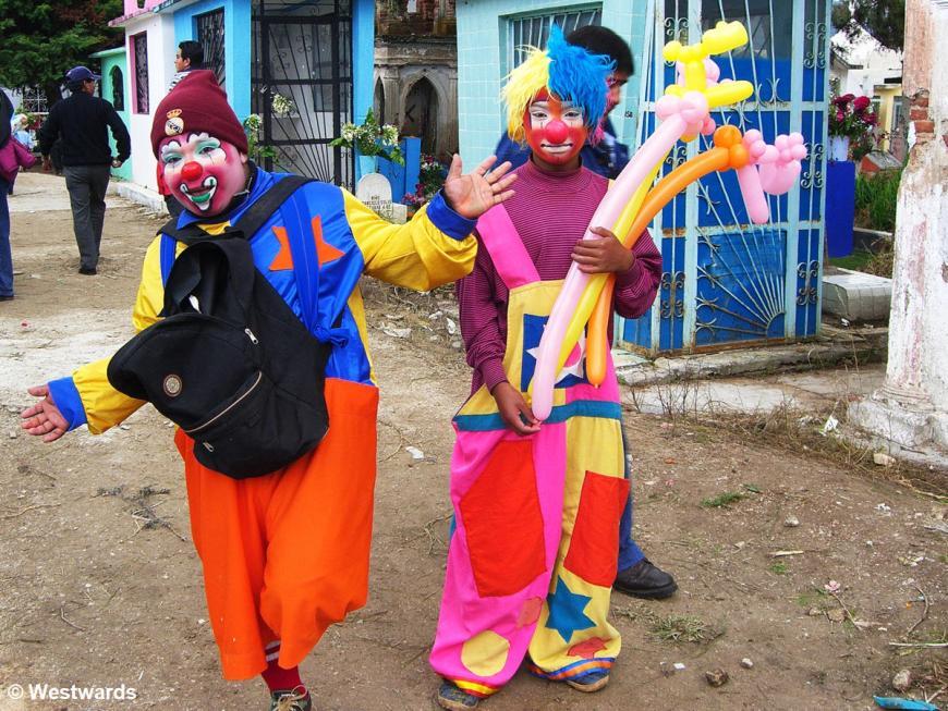 20071102 San Cristobal Friedhof Clowns 0184