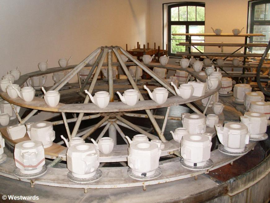 porcellain casting in the Rosenthal factory in Selb