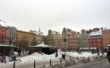 Wroclaw salt market square in snow