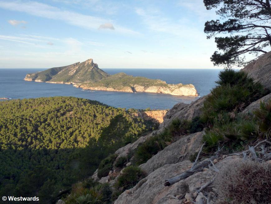 View from Mallorca cliffs to Sa Dragonera island