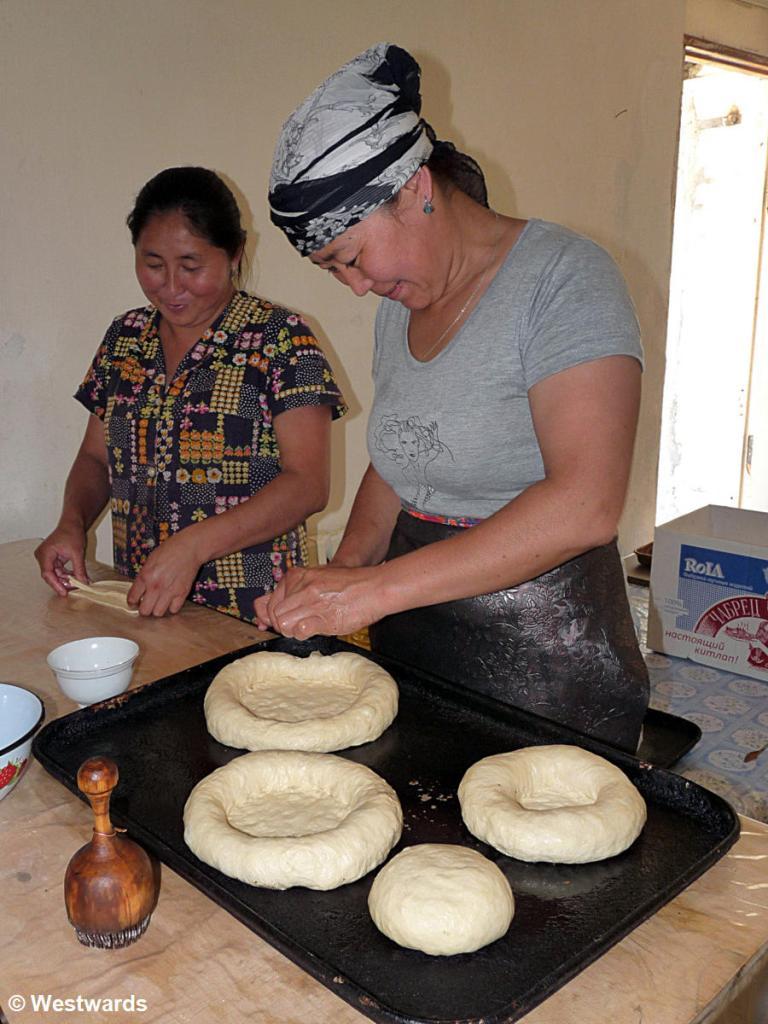 20120627 Kazarman bakery P1350999