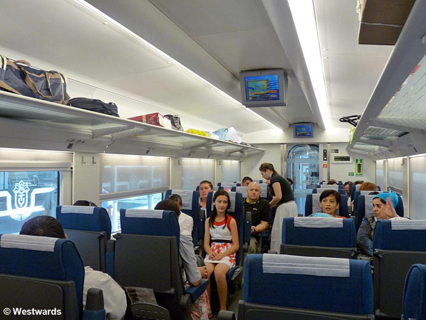 Afrosiab Ekonomi high-speed train in Uzbekistan