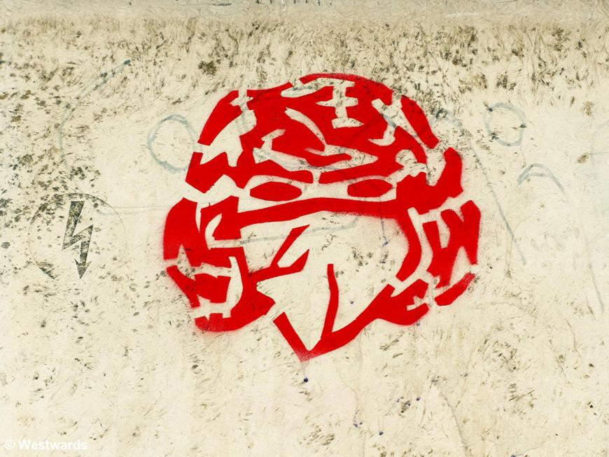 Corona mask graffiti in Cologne: no travel, no tourguiding now!