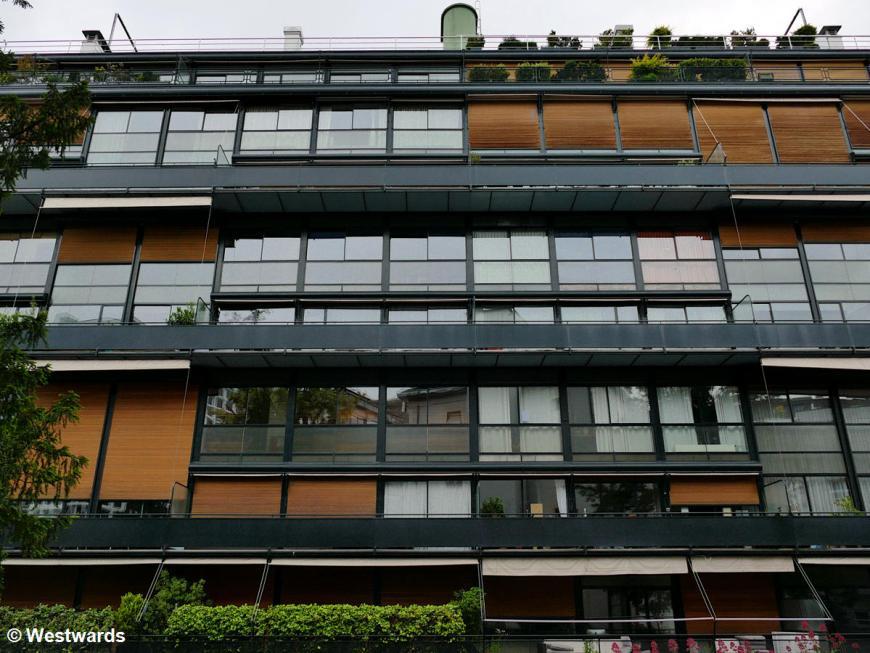 Massive window fronts of Maison Clarte in Geneve
