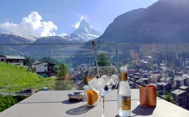 Matterhorn and drinks at the Schoenegg Infinity Terrasse in Zermatt