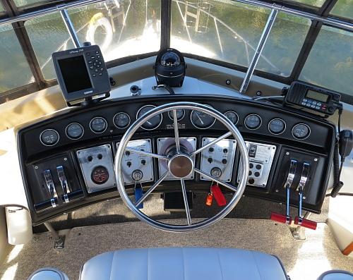 Westwind Yacht Sales 1983 Carver 3207 Aft Cabin
