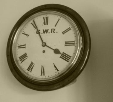 GWR Clock - BW